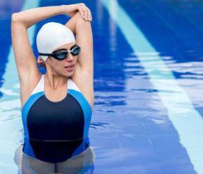 Illustration : Yoga et natation, relaxation assurée