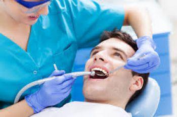 Illustration : Un rendez-vous chez le dentiste offert aux jeunes de 21 et 24 ans